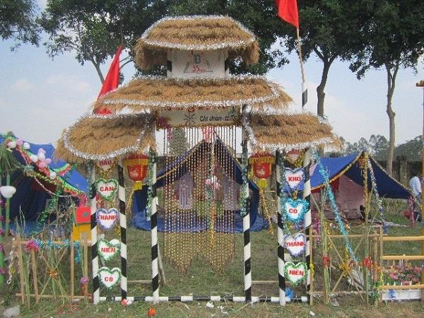 cổng trại hình mái đình