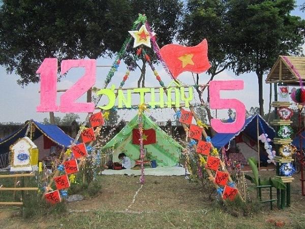 cổng trại hình tam giác