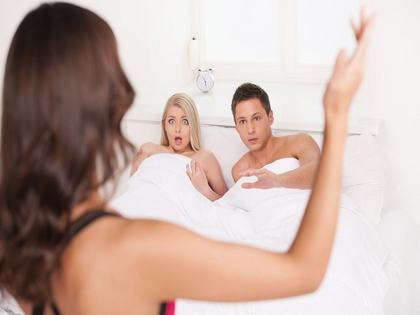 Tại sao đàn ông ngoại tình nhiều hơn phụ nữ