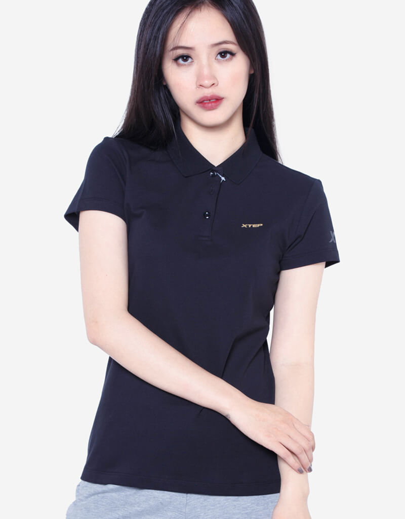 áo thun màu đen giúp tôn làn da