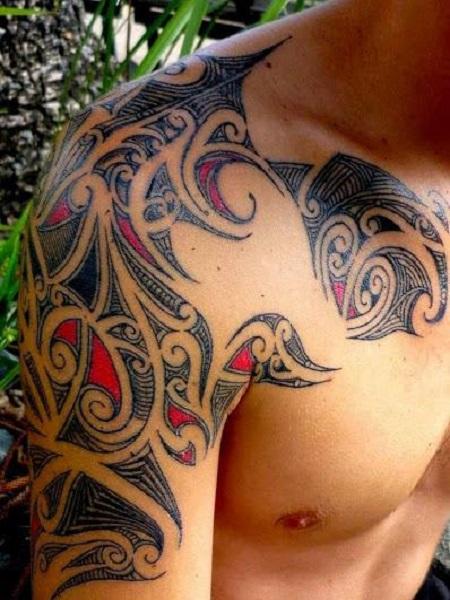hình bộ lạc trên vai và ngực