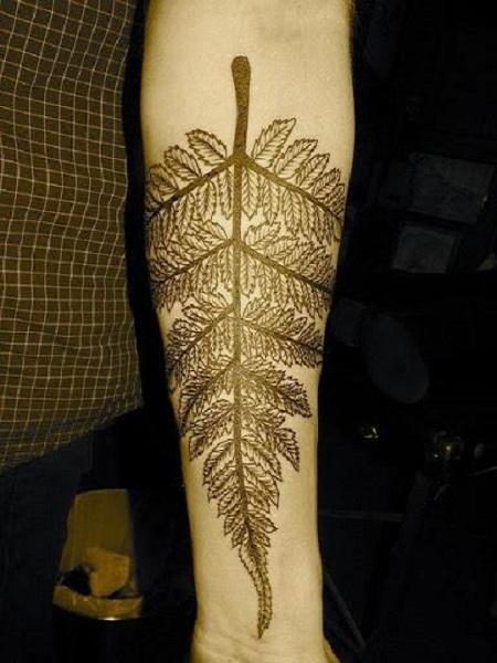 hình xăm lá cây